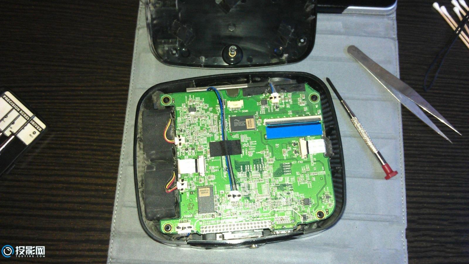 LG H300G LED投影拆机清灰教程,让你看看内部长啥样!