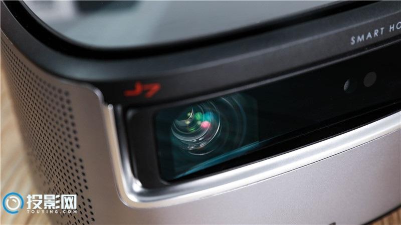 坚果J7旗舰智能投影仪值得买吗?实测之后告诉你结论