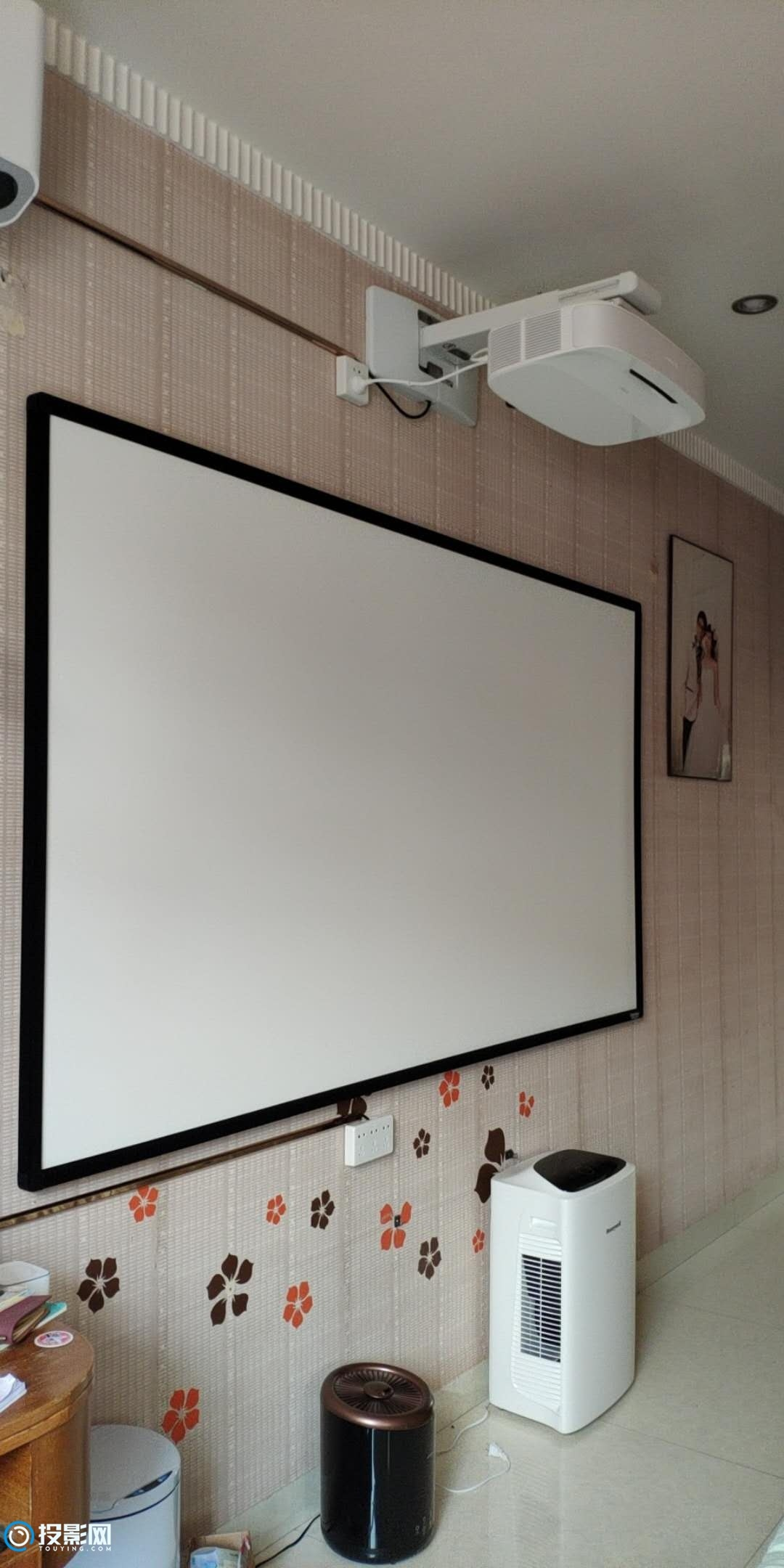 出 美视 100寸 投影 画框幕