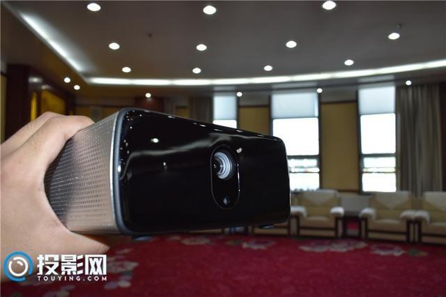 坚果W700智能投影评测:极致体验,乐享生活