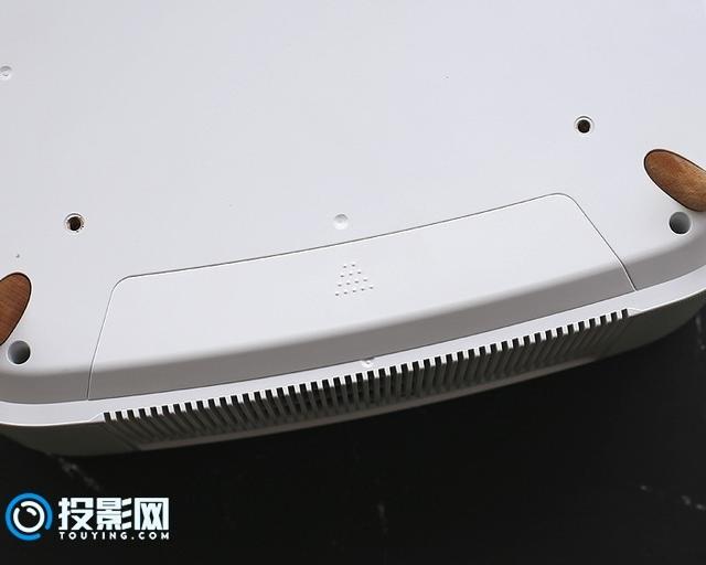 3LCD带来画面的高品质提升 极米Lightank D1投影开箱评测