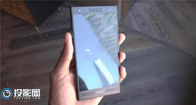 【酷炫黑科技】RED全息屏手机即将上市 支持裸眼3D哦~