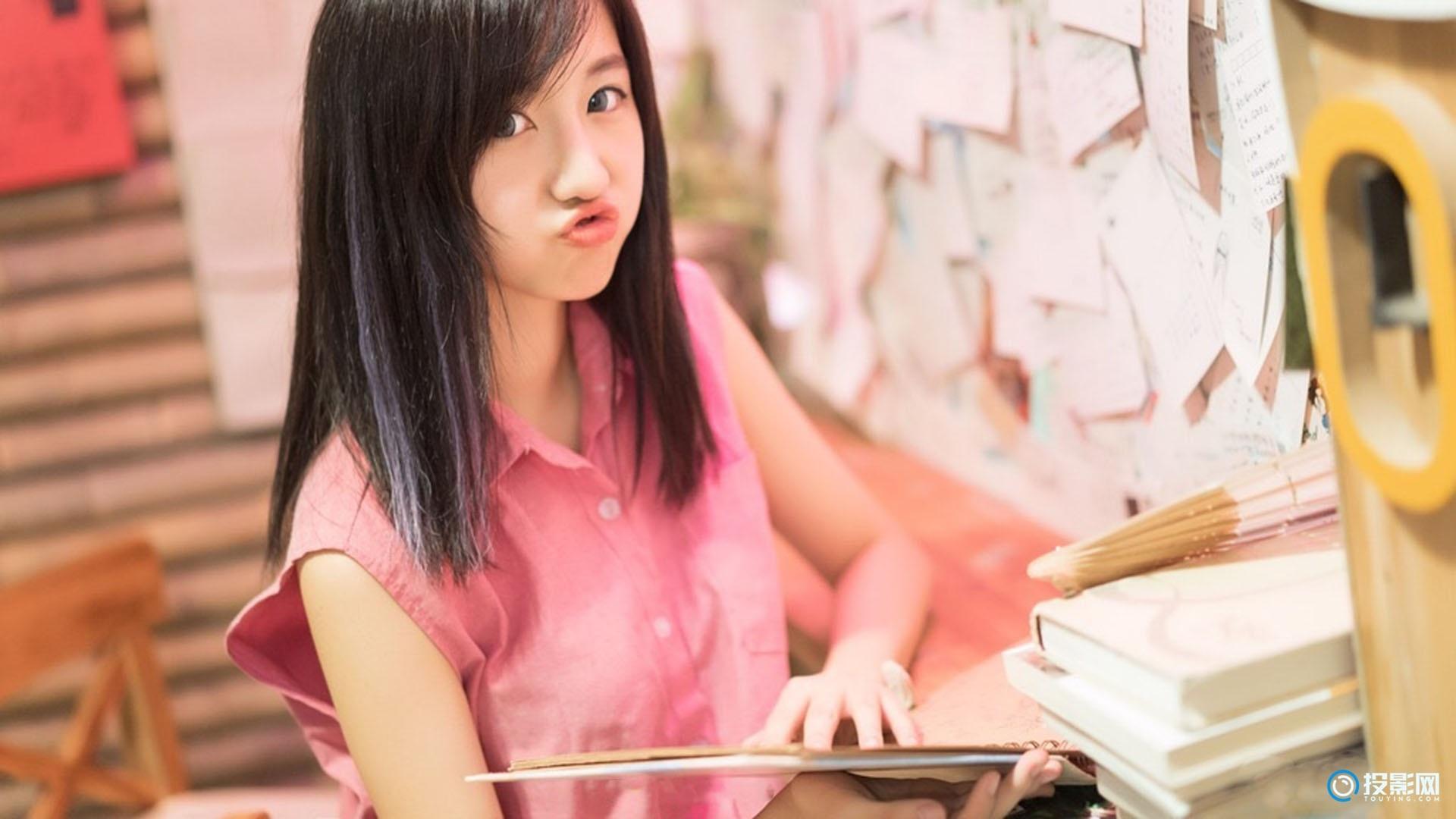 甜美可爱美女图片壁纸   9P