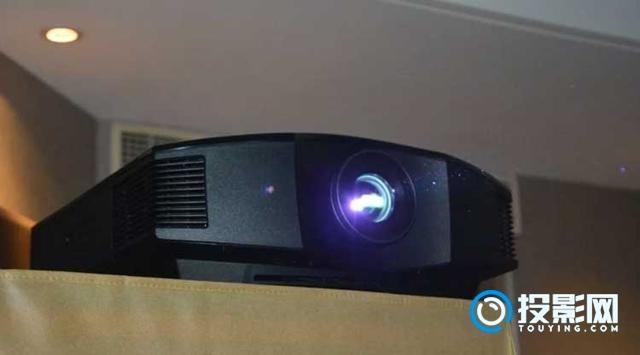 SONY索尼VPL-HW69家庭影院投影机