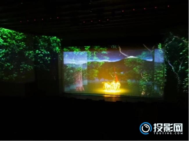 松下工程投影机打造红色旅游《古城往事》时空秀!