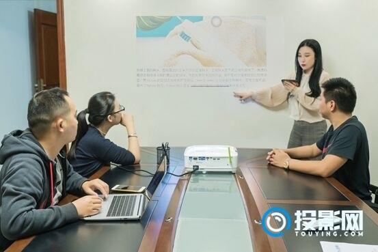 明基BenQ智能商务投影机:自律才是最大的自由
