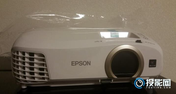 爱普生入门家用投影仪CH-TW5300评测:画质突出 噪音不小