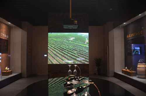 用影像酿造旷世酒文化 明基激光工程投影机助力茅台印象馆