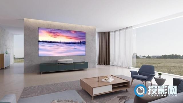 家庭客厅电视的首选 极米激光电视皓·LUNE 4K现场测评
