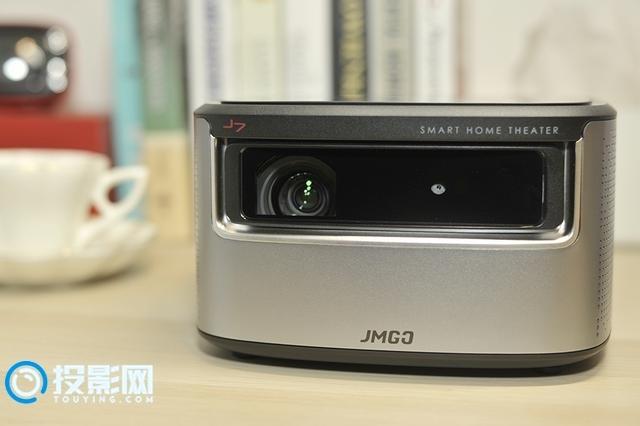 百寸大屏的观影体验 坚果J7智能投影评测
