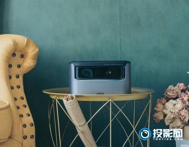 客厅大屏最佳选择 坚果J7智能投影评测