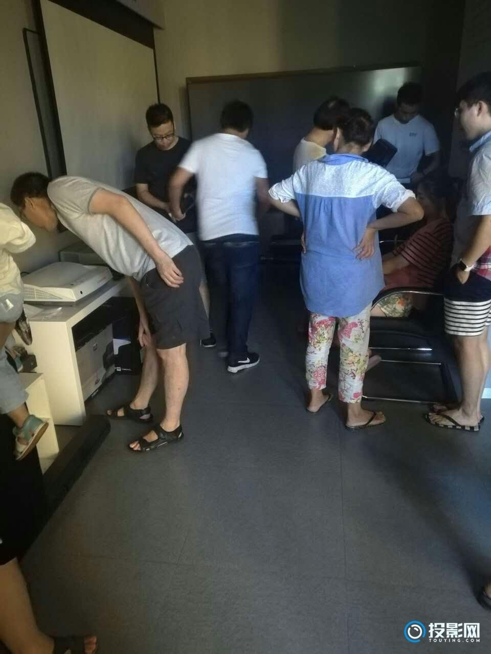 上海哪里有卖投影仪的地方?