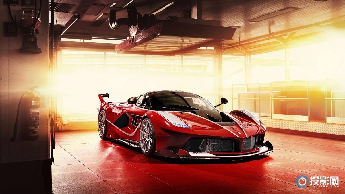 法拉利红色跑车