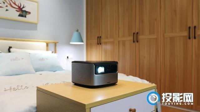 适合家用或者小型办公场所使用 坚果J7智能投影体验评测