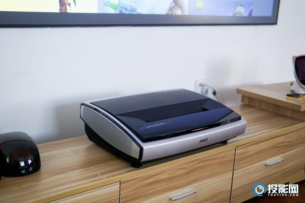 坚果U1 4K激光电视测评:4K分辨率的配置,颠覆行业的售价
