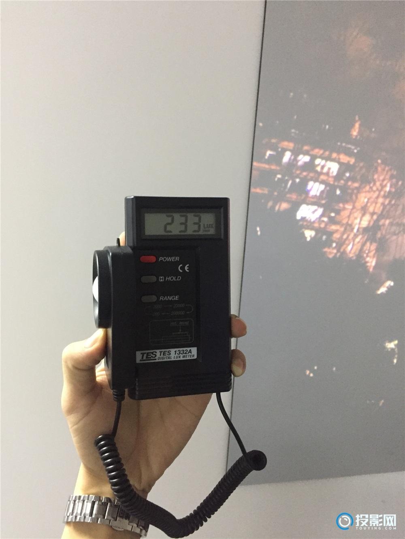 实测EPSON 3100流明1080投影仪投射100寸光子屏