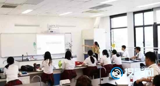爱普生CB-700U激光投影互动方案,创先进课堂教学模式
