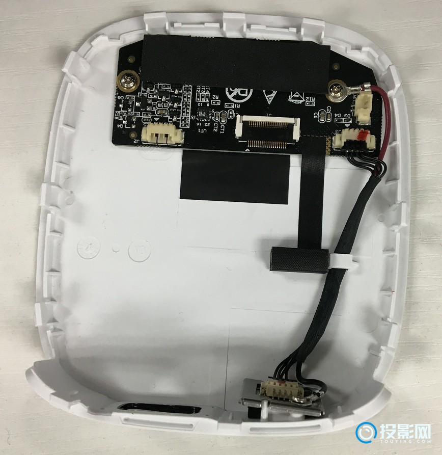 极米Play投影仪拆机过程图文详解:质量好不好看内部做工