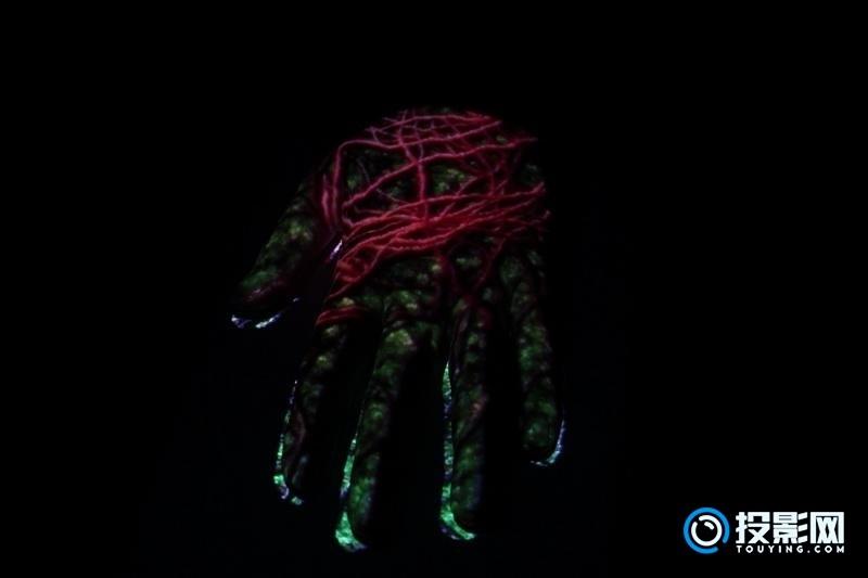 神画小媚:AR投影的鼻祖!