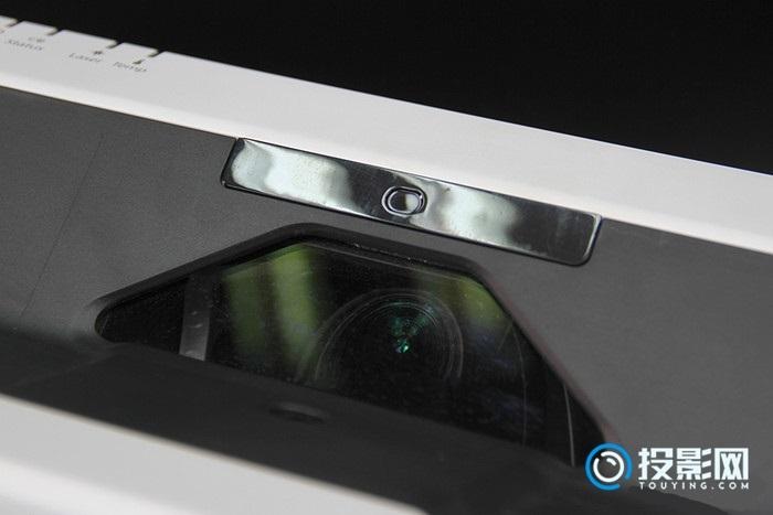 教学利器 爱普生CB-700U激光超短焦教育投影机评测