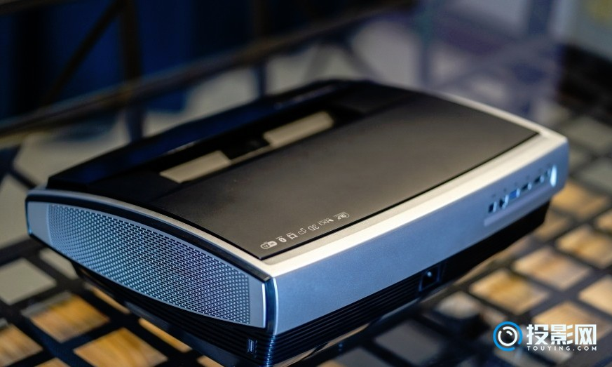 坚果U14K激光电视深度测评:高配置带给你不一样的感受