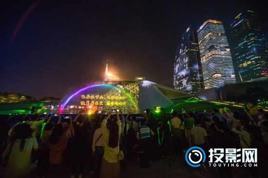 Vivitek(丽讯)灯光节打造恢弘水幕投影