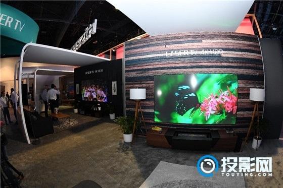 海信70吋三色激光电视L5明显领先于同尺寸的液晶电视