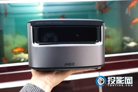 高清、高亮的大屏观影体验 坚果J7智能投影视频测评
